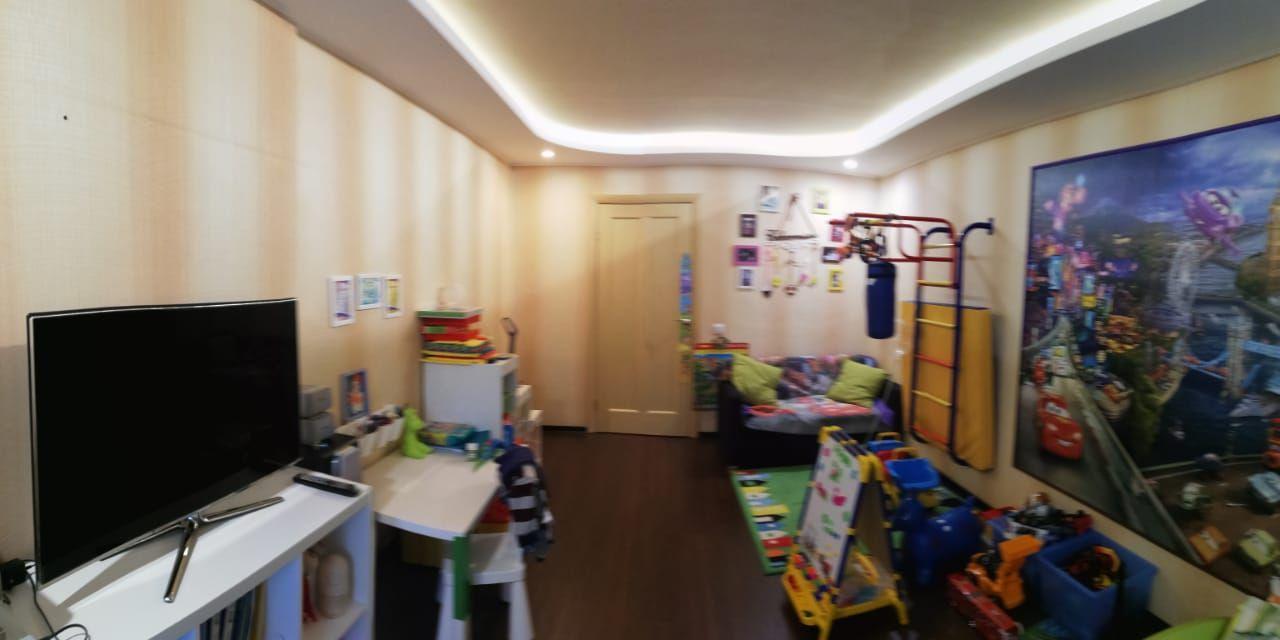 Продается 2-комнатная квартира, 57м²
